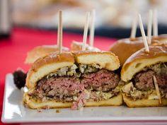Where Denver Chefs Go for a Burger Fix | thenickeldenver.com