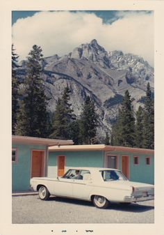 Man with old white Dodge Coronet pulling into the parking lot. Looks like a great place for hiking. Or rock climbing! Vintage Photography, Film Photography, Travel Photography, Colour Photography, Photos Vintage, Old Photos, Aesthetic Vintage, Aesthetic Pictures, Motel