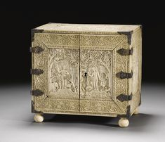 A FINE AND RARE IVORY-VENEERED CABINET, SRI LANKA, 17TH CENTURY