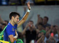 Lider światowego rankingu tenisistów Novak Djokovic, który odpadł z turnieju olimpijskiego po porażce z Argentyńczykiem Juanem Martinem del Potro w pierwszej rundzie, nie krył rozczarowania. 'To jedna z najbardziej dotkliwych porażek w karierze' - przyznał.