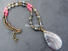 collier mi-long style bohème agates , labradorite , perles de rivière et quartz rose..... pièce unique : Collier par lilicat