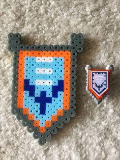 Lego Nexo Knights Pixel - Hawk Holler Shield, melty beads