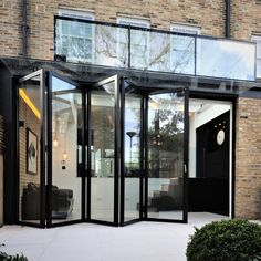 Sieger bifolding doors were installed to a contemporary which saw the rear of a extended out into the homeowners rear garden. The lead out onto the newly block paved patio, resulting in a seamless connection between the indoor and outdoor environments.