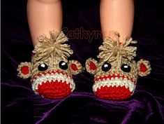 Ravelry: Pattern 53 - Crochet Baby Sock Monkey Booties, Photo prop pattern by Cathy Ren Crochet Sock Monkeys, Crochet Baby Socks, Crochet Slippers, Crochet For Kids, Knit Crochet, Booties Crochet, Crochet Crafts, Crochet Projects, Handgemachtes Baby