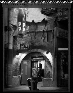 Li Po Lounge in Chinatown San Francisco Bars, San Francisco California, Urban Life, Advertising Signs, Golden Gate Bridge, Wander, Signage, Architecture Design, Community