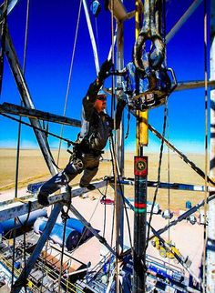 Looking for oilfield jobs? We're your one stop spot for oilfield jobs, oilfield news, oilfield learning and more. Oilfield Man, Oilfield Trash, Oil Rig Jobs, Petroleum Engineering, Oil Platform, Marine Engineering, Oil Refinery, Construction Jobs, Drilling Rig