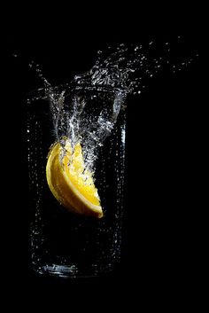 Photographic Print: Orange Dropped into a Glass of Water by Luke Peterson Photography : High Speed Photography, Yellow Photography, Dark Food Photography, Splash Photography, Photography Editing, Iphone Photography, Still Life Photography, Creative Photography, Amazing Photography