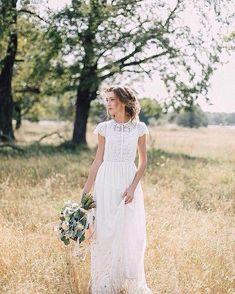 Kleid Hochzeitskleid Boho Hochzeit romantische Source by heleneneufeld dresses to wear to a wedding Outside Wedding Dresses, Elegant Wedding Gowns, Modest Wedding Dresses, Perfect Wedding Dress, Boho Wedding Dress, Boho Dress, Bridal Dresses, Dress Lace, Elegant Gown