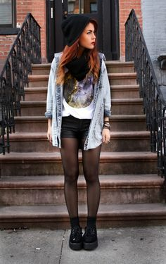 I like the hipster grunge look Tights And Boots, Shorts With Tights, Black Tights, Black Shorts, Ankle Boots, Outfits With Tights, Purple Tights, Sheer Tights, Tights Outfit
