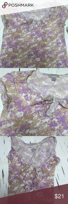 Ann Taylor loft top lavender flowers summer ready! Prima of gently used Ann Taylor loft top size extra small cotton lavender flower pattern soft and pretty! Ann Taylor Tops Tees - Short Sleeve