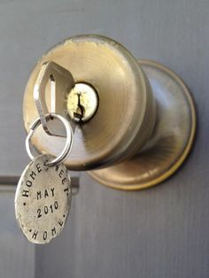 Frugal but Great Housewarming Gift Ideas - key chain. Several more great ideas too.