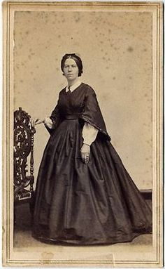 Make Exceptional Fashion Choices With These Tips – Look Book Fashion Victorian Era Dresses, Victorian Fashion, Civil War Fashion, Civil War Dress, Beautiful Dresses For Women, Period Costumes, Luxury Dress, Fashion History, Women's Fashion