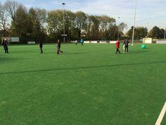 Sporten voor mensen met NAH (3/5) op @Hengelder_Sport #Zevenaar met @Romei_Therapie. Heerlijk weer en een topgroep!. Maandag 27 oktober 2014. Via twitter @UniekSporten