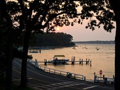 New Yorkers looking to escape city limits will find solace on Shelter island, nestled between Long Island's ritzy South Fork and wine-focused North Fork.
