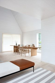 Minimal, soft and beautiful dining space