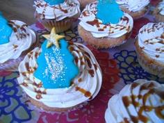 Christmas caramel cupcakes