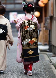 September obi (Maiko Toshichika, Miyagawacho)
