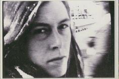Les pel·lícules d'Anne Charlotte Robertson (1949-2012), rodades la majoria en súper-8, documenten els efectes del trastorn bipolar que va patir, les crisis nervioses i els internaments en centres psiquiàtrics. Filmant els seus sentiments i les seves vivències d'una manera íntima, directa i crua