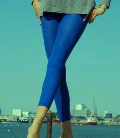Marianne Eighties 60 enkellegging Kobaltblauw Basic Leggings, Capri Pants, Fashion, Moda, Capri Trousers, Fashion Styles, Fashion Illustrations