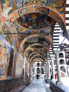 http://travelinbulgaria.eu/en/Offers/monastery_tour