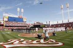 Reds win on Opening Day!! // AP Images