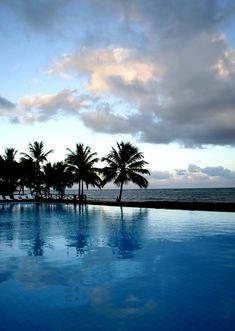 Praia do Forte, no estado da Bahia, Região Nordeste do Brasil.