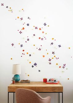 WALL FLOWER DIY: A simple and beautiful interior design project from the new book PLANT CRAFT.