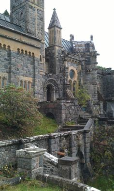 Heart of Scotland Tours and the Wee Red Bus St Conans Kirk Chateau Medieval, Medieval Castle, Castle Ruins, Abandoned Castles, Abandoned Places, Beautiful Castles, Beautiful Places, Scotland Tours, Château Fort