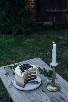 our food stories: glutenfree lavender cake topped with berries for eat-a-rainbow