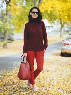 Bittersweet Colours blog \ autumn look \ fall outfit \ fall style \ burgundy, red and florals \ cable knit sweater