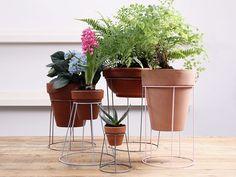 DIY-Anleitung: Blumenständer aus Lampenschirmen bauen / diy tutorial for flower stands made of shades via DaWanda.com