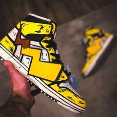 ⚡ Detective Pikachu  Tag a Pokemon fan!  👉 for more sneaker art! 👉 for more sneaker art! 👉 for more sneaker art! Sneakers Fashion, Fashion Shoes, Shoes Sneakers, Sneakers Women, Custom Sneakers, Custom Shoes, Jordan Shoes Wallpaper, Estilo Geek, Sneaker Boots