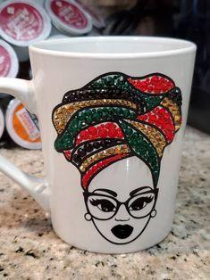 Ceramic Coffee Cups, Coffee Mugs, Unique Birthday Gifts, Unique Gifts, Diy Mug Designs, Diy Mugs, Cup Art, Flower Spray, Latte Mugs