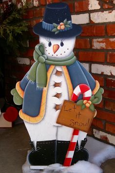 hand painted snowman to welcome guests during the Holiday season. Christmas Yard Art, Christmas Yard Decorations, Beautiful Christmas Decorations, Christmas Wood Crafts, Snowman Crafts, Christmas Signs, Christmas Projects, Holiday Crafts, Christmas Ornaments