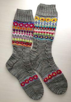 Hamish pattern from Ravelry - ALLLLL the heart eyes! Crochet Socks, Knit Mittens, Knit Or Crochet, Knitting Socks, Hand Knitting, Crochet Poncho Patterns, Knitting Patterns, Wool Socks, Fair Isle Knitting
