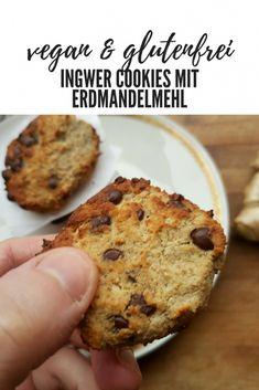 FODMAP-armes Rezept auf Deutsch. Erdmandel Ingwer Cookies sind ruckzuck fertig. Geeignet bei einer Nahrungsmittelunverträglichkeit oder Lebensmittelunverträglichkeit wie Laktoseintoleranz, Fructoseintoleranz, Glutenunverträglichkeit sowie Reizdarm und während der FODMAP-Diät. #glutenfrei #laktosefrei #fructosearm #fodmap #reizdarm #fodmapdiät #nahrungsmittelunverträglichkeit #lebensmittelunverträglichkeit #unverträglichkeit #vegan #zuckerfrei Sin Gluten, Cookie Time, Best Food Ever, Vegan Treats, Vegan Vegetarian, Paleo, Cake Cookies, Bakery, Sweet Treats