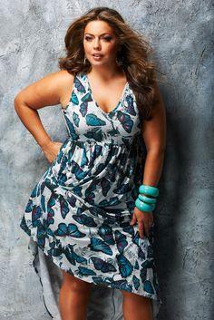 Fluvia Lucerda vestido estampado para gordinhas #plussize #plus-size ----------------------------------------- http://www.vestidosonline.com.br/modelos-de-vestidos/vestidos-gordinhas