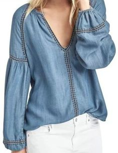 Style hippie jeans ideas for 2019 Denim Blouse, Blouse Dress, Denim Shirt, Denim Fashion, Boho Fashion, Boho Outfits, Fashion Outfits, Hippie Jeans, Moda Jeans