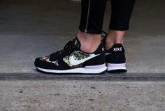 Nike WMNS Internationalist PRM Black/Summit White-Prism Pink - 828404-007