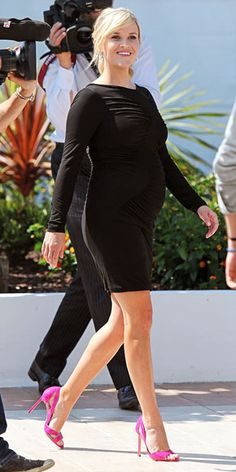 Reese looking absolutely divine in this little black dress & those hot pink patent leather #ManoloBlahnik's are hot!