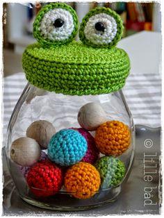 design by lille båd  Froschglas für meine Häkelperlen