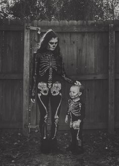 Mother and son costume Skeleton Halloween Costume, Halloween Costumes For Girls, Halloween Skeletons, Halloween Kids, Halloween Party, Halloween 2019, Halloween Makeup, Dinosaur Halloween, Halloween Bedroom