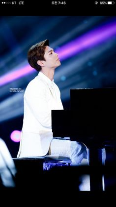 Park Bo Gum on the piano