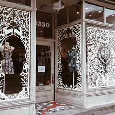 We're smitten with the amazing papercut display @ybryksenkova made for the windows of @citizenvintage in Montreal. Aside from being completely hand-cut (it took a week!), it's also pretty cool to see two Etsy sellers collaborating in real life. Check out more of Yelena Bryksenkova's masterpieces at link in profile.