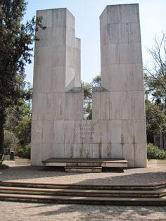 Tumba del Presidente Salvador Allende. Cementerio General Santiago de Chile
