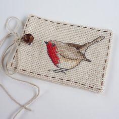 Cross Stitch Robin Gift Tag 1 van MadeByRachel op Etsy