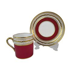 Pre-Owned Spode Red & Gold Cup & Saucer ($65) ❤ liked on Polyvore featuring home, kitchen & dining, drinkware, serveware, tea cup saucer, gold cup, gold tea cup, gold saucer and red saucer