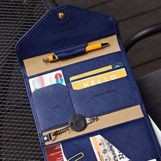 Versatile Travel Wallet - Free Shipping - Hello Wander - 2