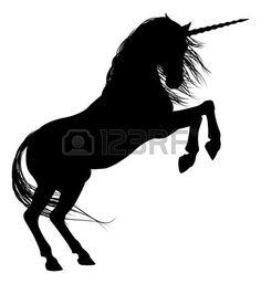 mythological horses: Unicorn mythische Pferd in der Silhouette Aufzucht auf den…