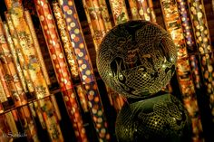 #39 Les tissus de kimono illuminés à la gare de Randen (Arashiyama, Kyoto)